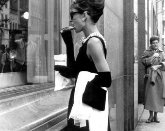 "Audrey Hepburn in Film ""Breakfast at Tiffany's"" - 5X7, 8X10 or 11X14 Publicity Photo (NN-213)"
