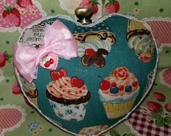 Heart shaped box clutch