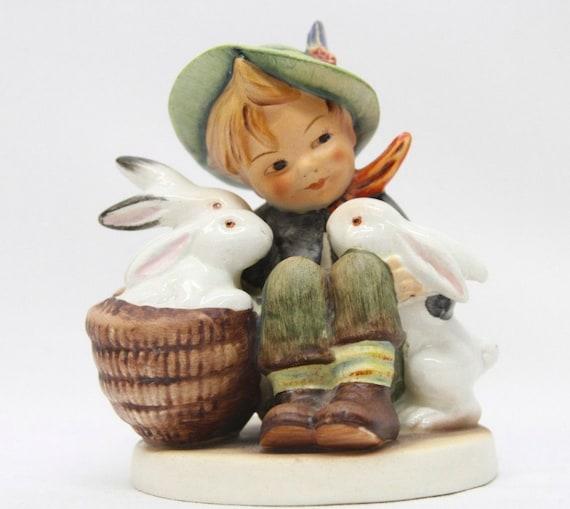 Hummel Figurine #58 'Playmates' Boy with Rabbits TMK2 Incised Crown & Full Bee