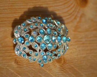 Vintage Pot Metal Brooch Aqua Blue Rhinestone Flower Design Brooch