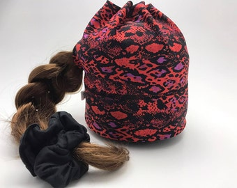 Sport Tuque with hole for the snake red/purple quilt