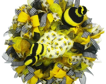 Bumble Bee Wreath - Bumble Bee Decor - Baby Bumble Bee - Baby Wreath - Baby Shower - Bubble Baby Bottom - Nursery Decor