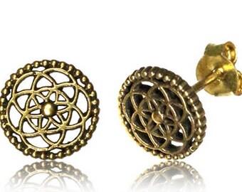 Piecing fleur de vie earring  / Brass flower of life ear stud.