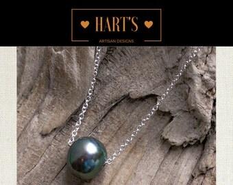Green Pearl Solitiare Argentium Silver Pendant Necklace