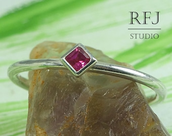 Kite Synthetic Ruby Silver Ring, July Jewelry Dainty Engagement Ring Princess Cut 2x2 mm Pink Corund Stack Ring Square Setting Classic Ring