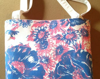 Awesome tote/purse made from vintage tablecloth