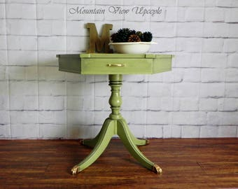 BEAUTIFUL Green Vintage Table, Duncan Phyfe Table, Clawfoot Table, Hexagon Table, Peacocks, Foyer Table, Side Table, Accent Table