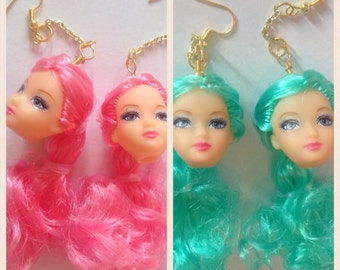 Dolls head earrings pink/teal
