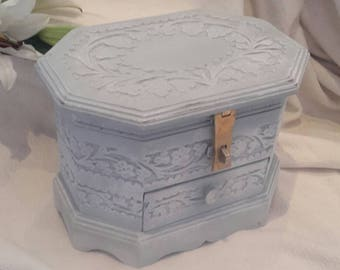 Hand carved,shabby chic,jewelry box,casket,Vintage jewellery box, trinket box, hand painted,large jewellery box