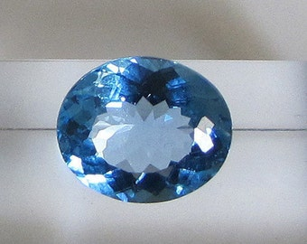 Blue Topaz - Sky blue - 7.15 ct has Mount for all jewelry in gold or silver