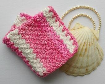 Handmade Crochet washcloth - cotton - Rose nacré