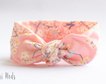Pretty Pale Pink Floral Top Knot Headband / Baby Headband / Baby Headwrap / Pink Headband / Tie knot Turban Headband / Baby Shower Gift / UK