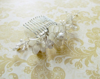 White Bouquet Hair Comb