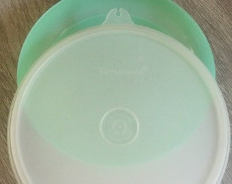 Small Mint Green Tupperware Bowl with Lid