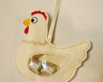 Filztier chicken filling, embroidered
