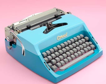 Bicoloured Consul typewriter