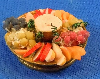 Dollhouse Miniature Round Fruit Platter for dollhouse scale of 1:12; twelfth scale.  Miniature Food, Miniature Accessory, Item #D220.