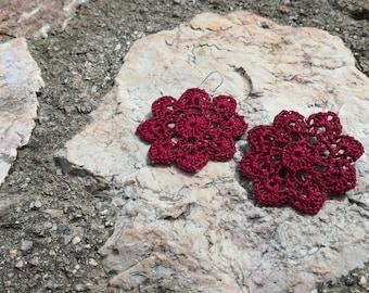 """Crochet Flower Earrings """"Sunny"""" in purple"""