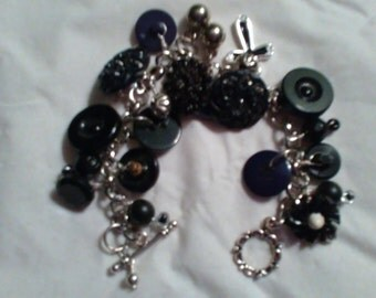 Vintage Button Bracelet in Black