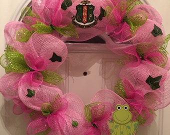AKA Sorority wreath   Your Pretty in Pink representation but in a Wreath Form