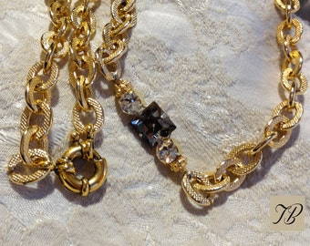 Crystal Swarovski, necklace, woman, sophisticated necklace, necklace chain, short necklace, rhinestone Crystal, crew neck collar.