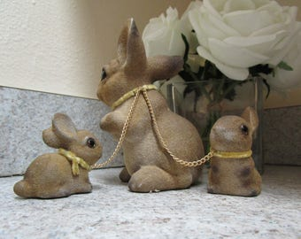 Vintage Norleans Flocked Bunny Rabbit Figurines // Mother With Two Bunnies Chained To Her // Easter Collectibles
