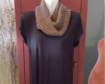 Hot Chocolate: undyed alpaca cowl