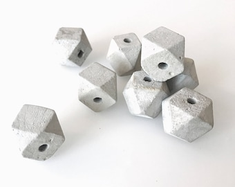 Handmade concrete beads Hexagon 4 pcs (12mm/20mm) - Handgemachte Betonperlen Hexagon 4 Stk. (12mm/20mm)