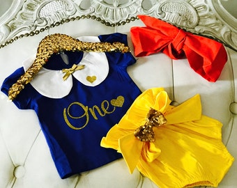 Snow White Inspired Birthday Set / Glitter One / First Birthday / One Birthday / Cake Smash / Snow White / Baby Girl Outfit