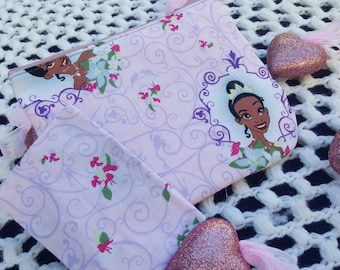 Tiana Cosmetic bag and tissue holder