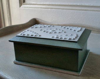 Small, wooden box, green and white