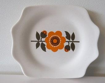 Four Flora Gouda cake plates-Retro-70 years