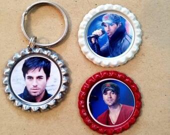Enrique Iglesias key chain & magnet set