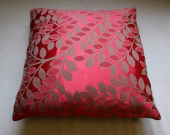 Vintage Fabric Cushion Cover. Red Leaf Cushion. Vintage Cushion. Red Throw Cushion. Decorative Pillow. Vintage Homewares. Upcycled Pillow.