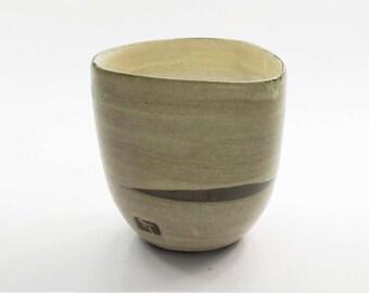 Ergonomic glass mug stoneware 1260 without handle sand color