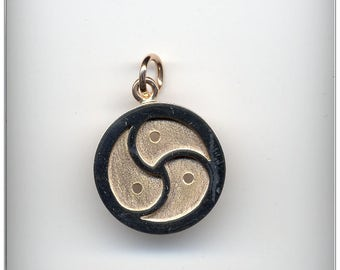 Gold 14K (585) BDSM Symbol Necklace, BDSM Jewelry, Emblem, Triskelion, Triskele jewelry, Slave, Kinky, XS
