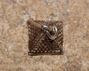 Sterling Silver 925 pyramid