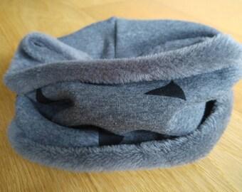 Neck Sweatshirt hair triangles grey