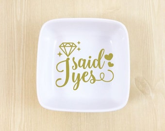Wedding Ring Dish - Engagement Ring Dish - Personalized Ring Dish - Engagement Gift - Wedding Gift - Ring Bowl - Gift for Bride - Ring Dish