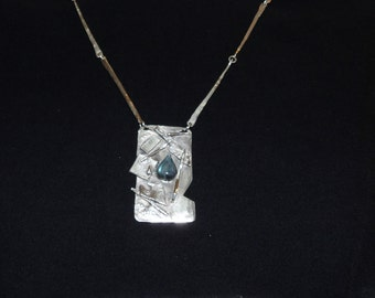 Necklace Silver & Tear Drop Shaped Icelandic Spar Art