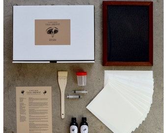 "Deluxe Cyanotype Kit (with 8x10"" Contact Frame)"