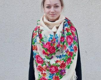 Ukrainian big woolen shawl. Vintage.