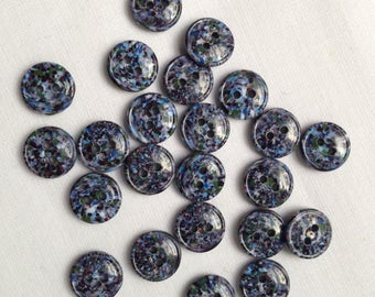 22 Vintage small buttons
