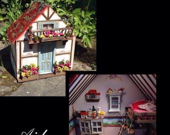 House Red Riding Hood 1:12. Hand painted dollshouse