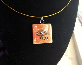 Eye of horus pendant necklace