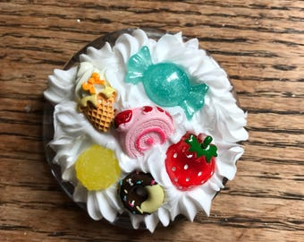 Decoden Pocket Mirror - Strawberry Candy