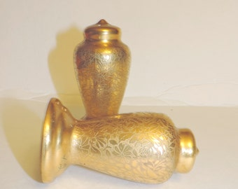 Vintage Stouffer China , Gold Salt and Pepper Shakers