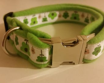 Green flowers fleece dog collar with metal buckle - For medium to Large dogs