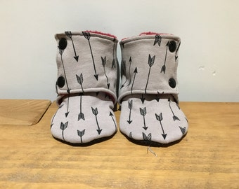 Arrow Stay on booties / slippers