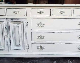 Sold!! Dresser and Chest of drawers